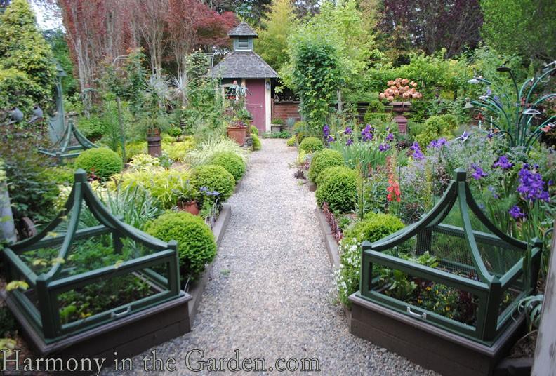 Freeland Tanner-Garden Designer-Napa-Garden Decor-Bespoke Garden Decor-garden temple-garden outbuilding-garden art-cloche